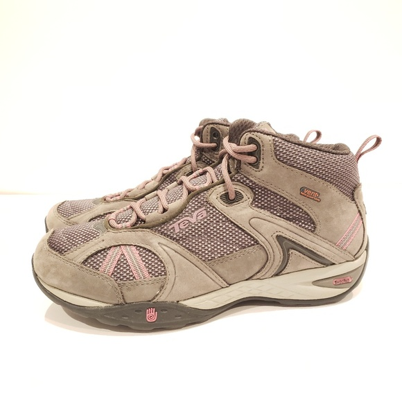 Teva Shoes - Teva womens hiking boots size 7